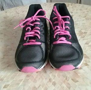 Asics Gel Instinct 33 Black Mesh Running Shoes